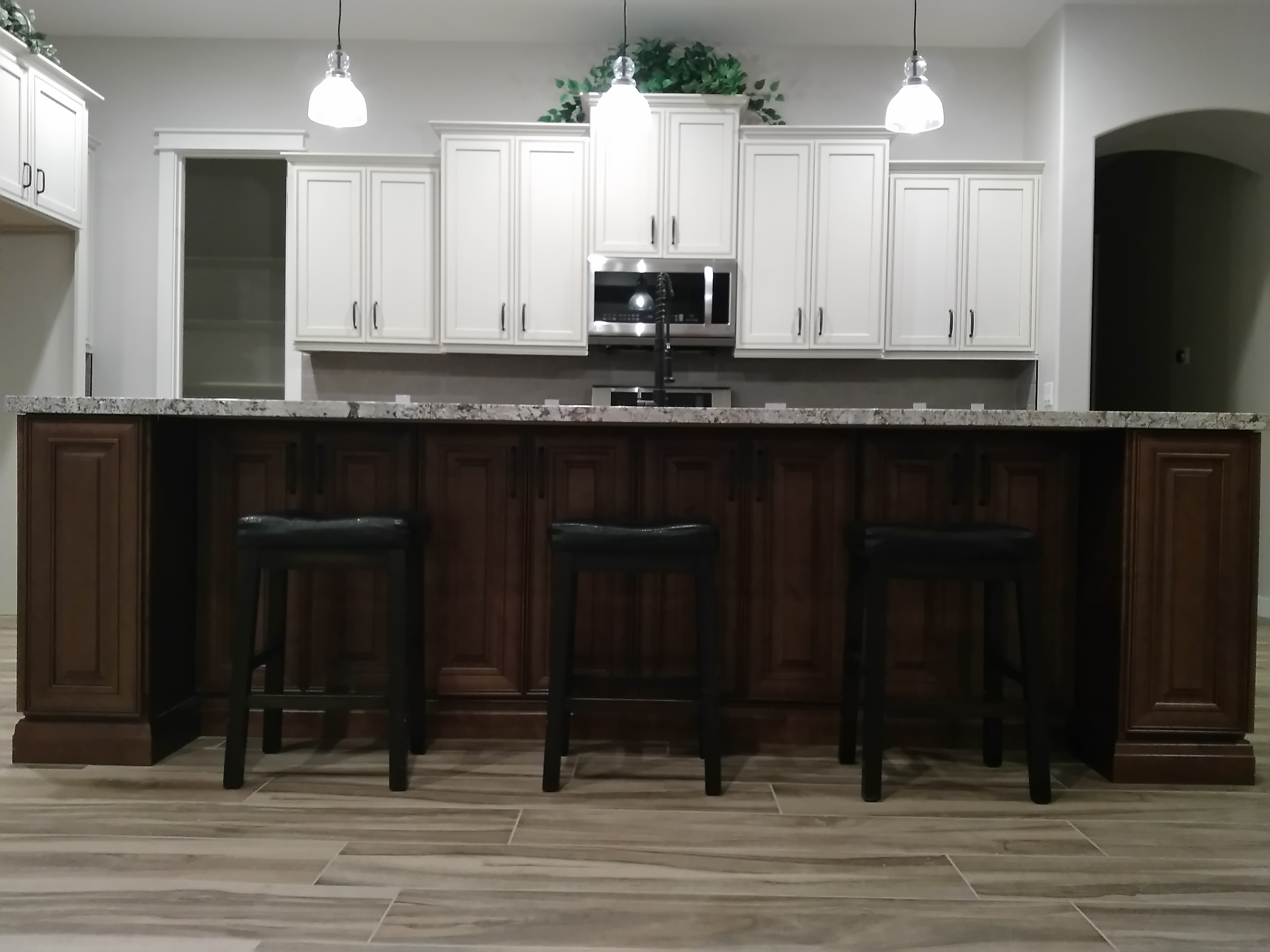 Two Toned Kitchen Cabinet Combination