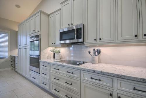 Modern Cabinetry kitchen & bathroom Cabinet installers